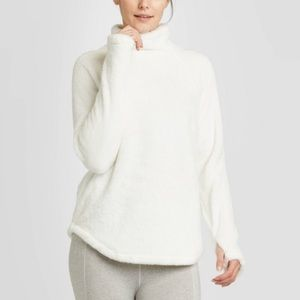 Joy Lab White Fuzzy Comfy High Pile Pullover
